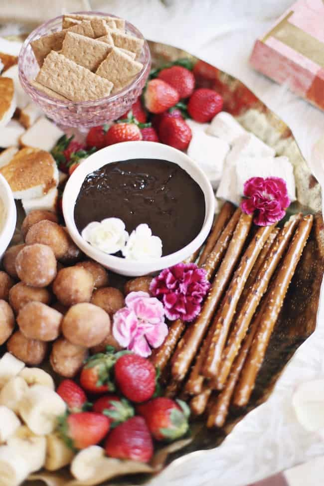 dessert fondue platter chocolate fondue with dippers