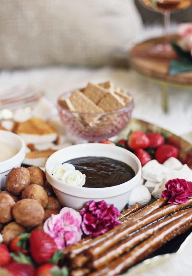 dessert fondue platter chocolate fondue