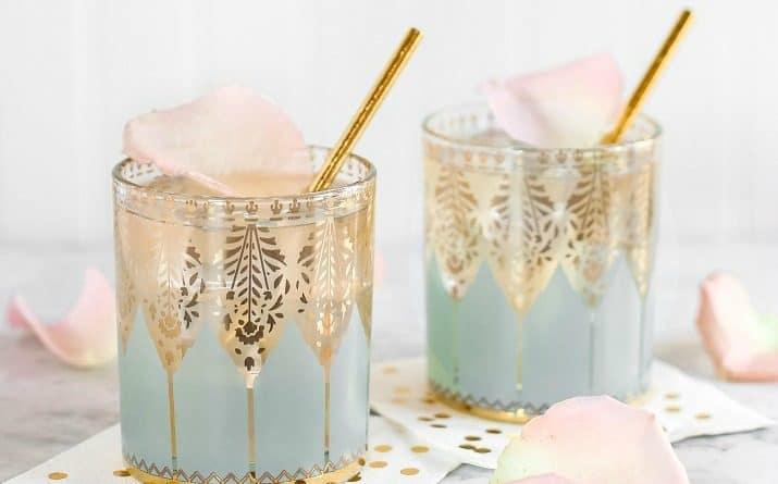 Elderflower Gin Fizz Cocktail