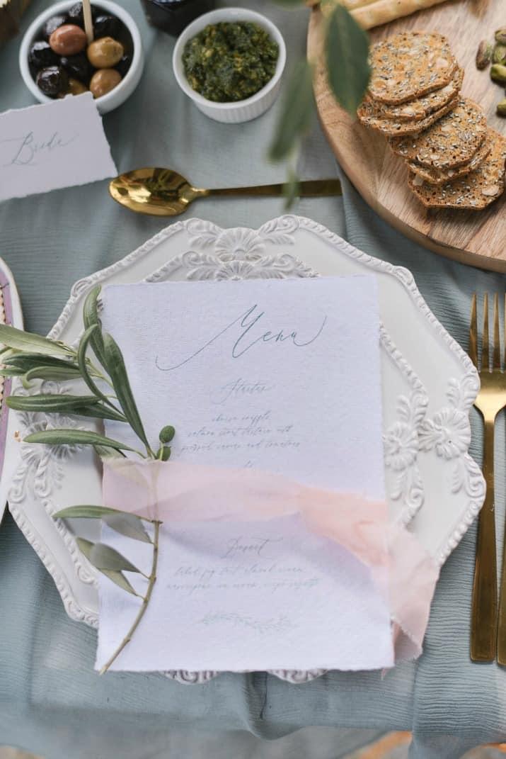 romantic wedding day ideas-menu card