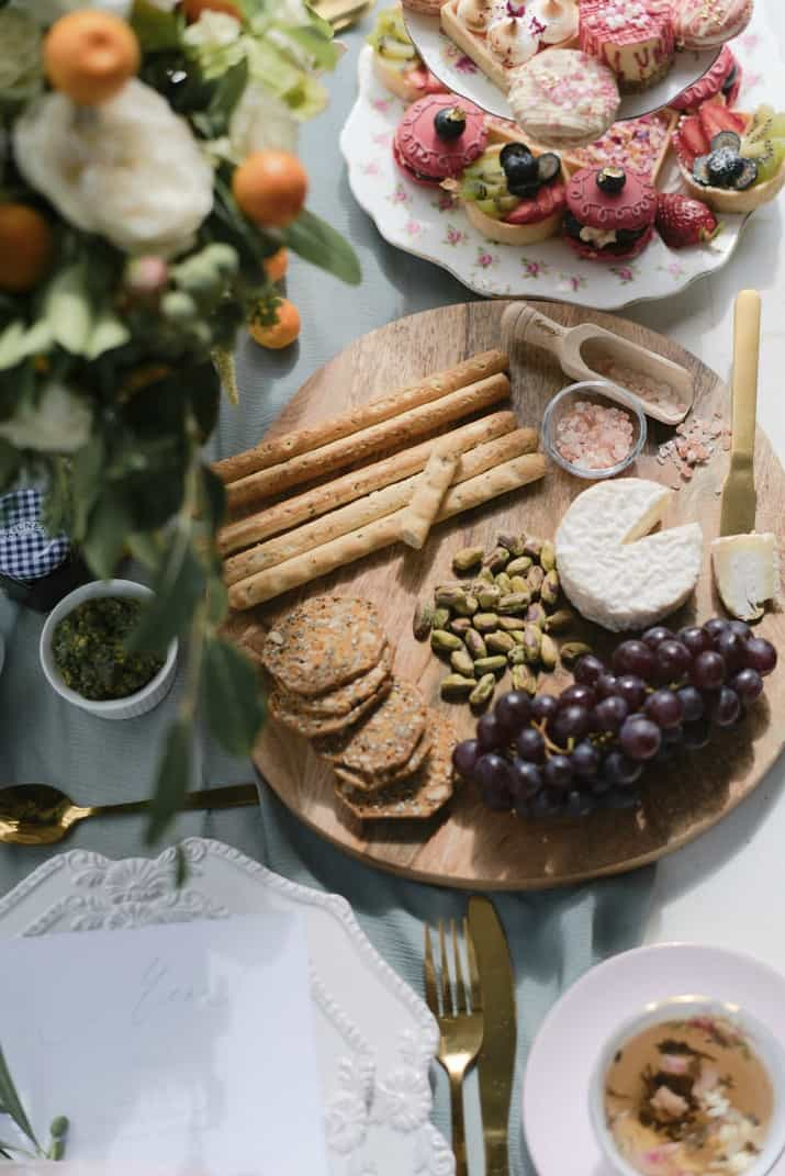 romantic wedding day ideas-cheese board