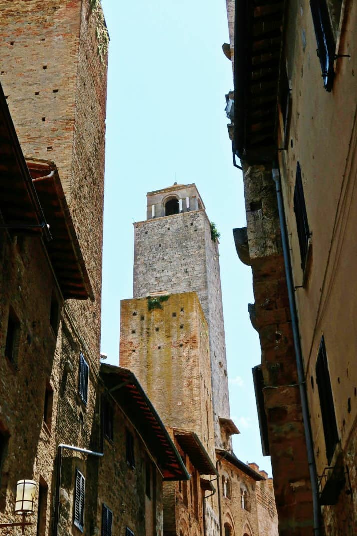 A Day Wine Tasting tour in Tuscany; town of San Gimignano