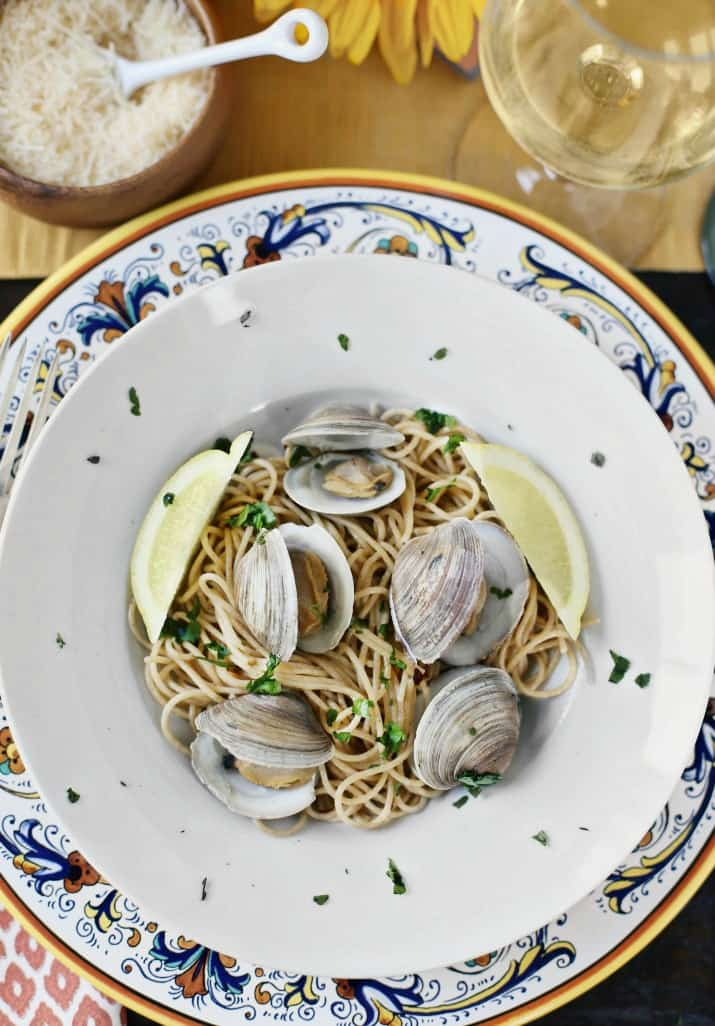 Italian themed dinner party & wine pairing, spaghetti and clams course