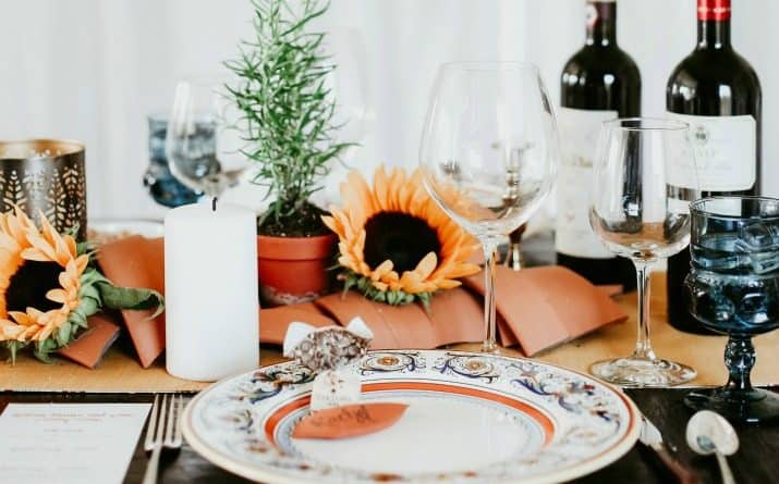 Italian theme dinner party ideas with menu and tablescape