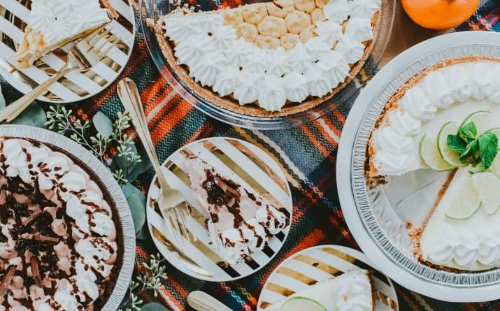 How to Set Up a Stylish Pie Bar for Entertaining