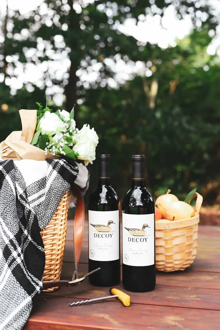planning a fall picnic with wine