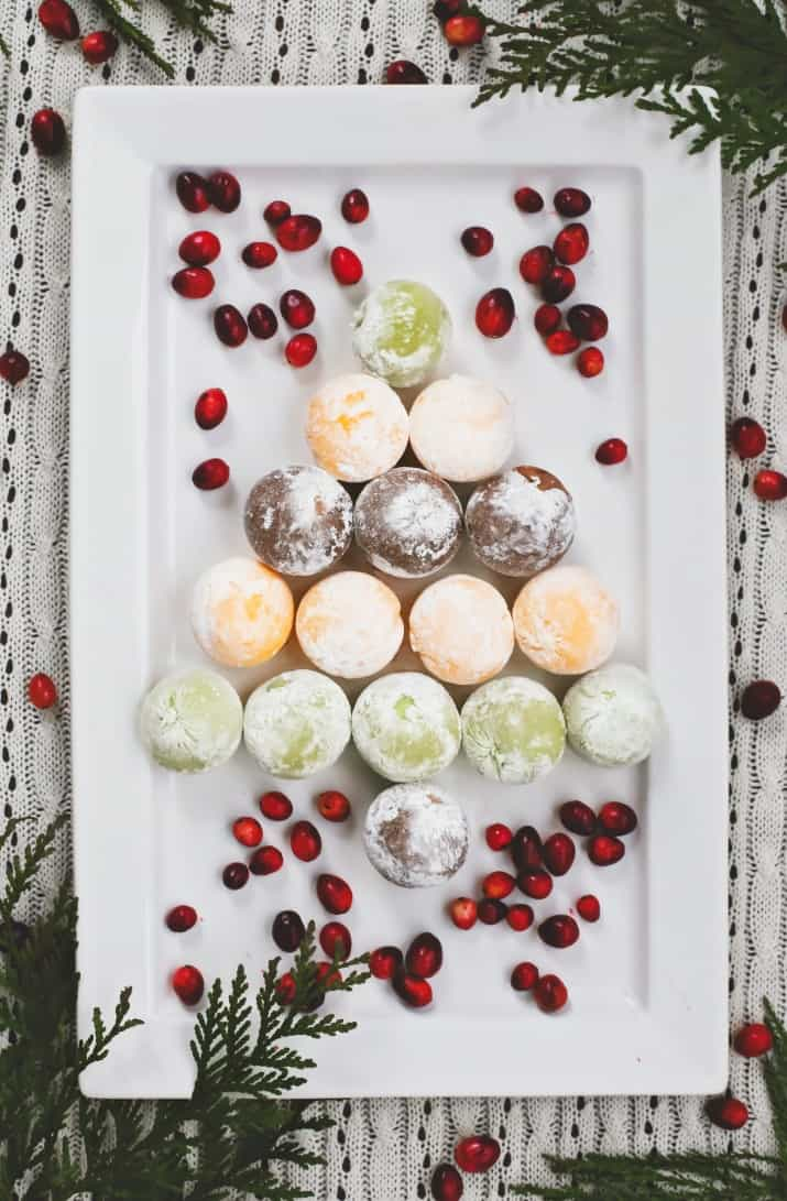 gift ideas, ice cream balls in shape of a Christmas tree